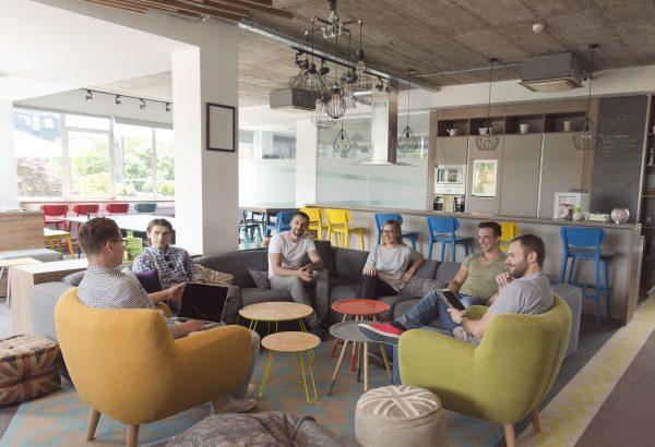 ישיבת צוות במשרד