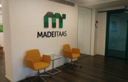 ביקור במשרדי MADITAAS – עיצוב משרד בסטנדרט גבוהה